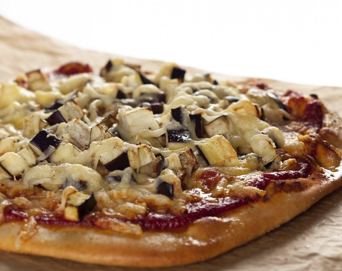 Pizza med aubergine