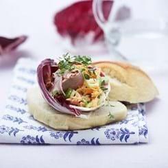 Ciabattaboller med and og salat