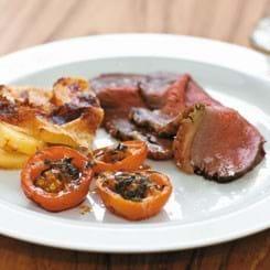 Culotte med flødekartofler og ovnbagte tomater