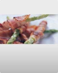 Bacon rullet med friske asparges