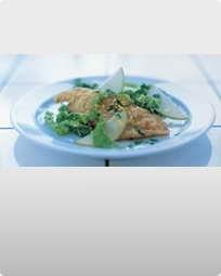 Hvidvinspocherede fiskefileter med pistou