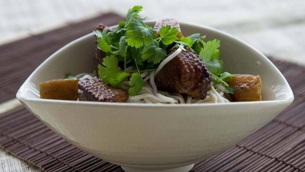 Black tiger rejer og pastasalat med limedressing