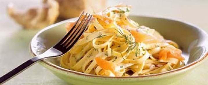 Pasta m/ost og peberrodscreme og laks