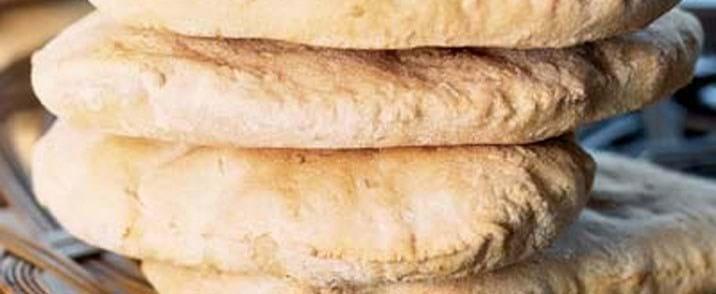 Pitabrød med sesamfrø