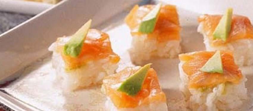 Presset sushi med laks og avocado