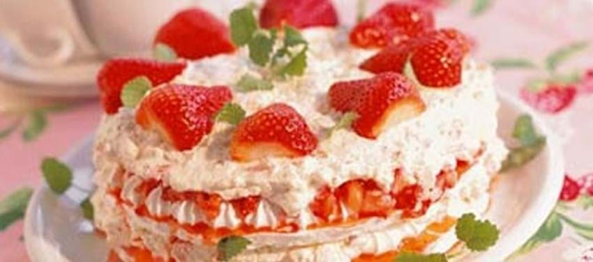 Sankt Hans kage med jordbær