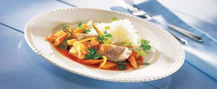 Sejfilet med sur-sød sauce og sprøde grøntsager