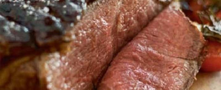 Stegt højrebsfilet med rødvinssauce