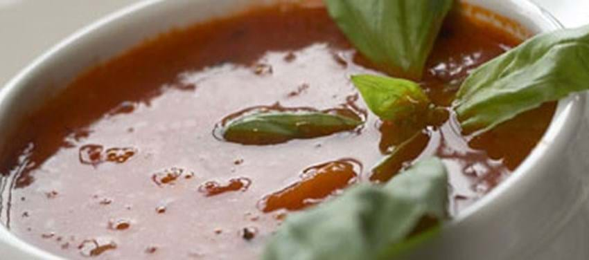 Tomatsuppe med flødepeberrod