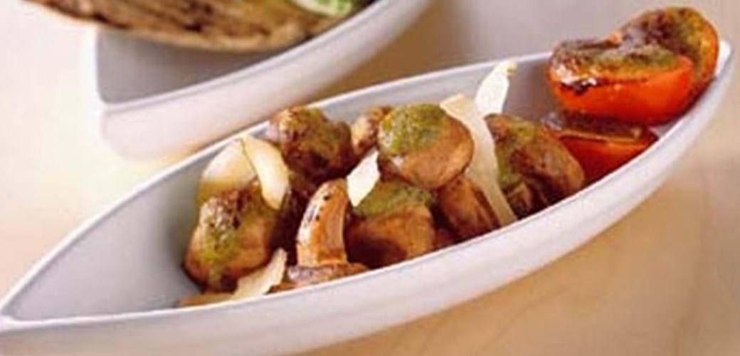 Champignon gratineret med pesto og parmesan