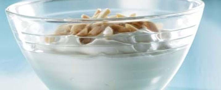 Appelsin-yoghurt med mandler