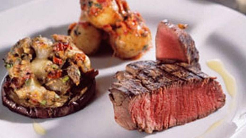 Grillet tournedos med aubergine og nye kartofler