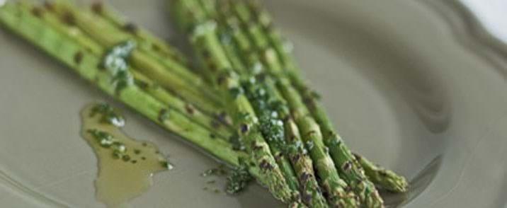 Grillstegte asparges
