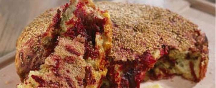 Groft madbrød med rødbeder