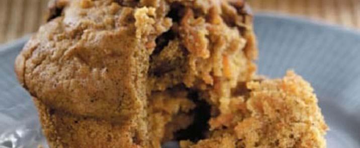Gulerods-rosinmuffins