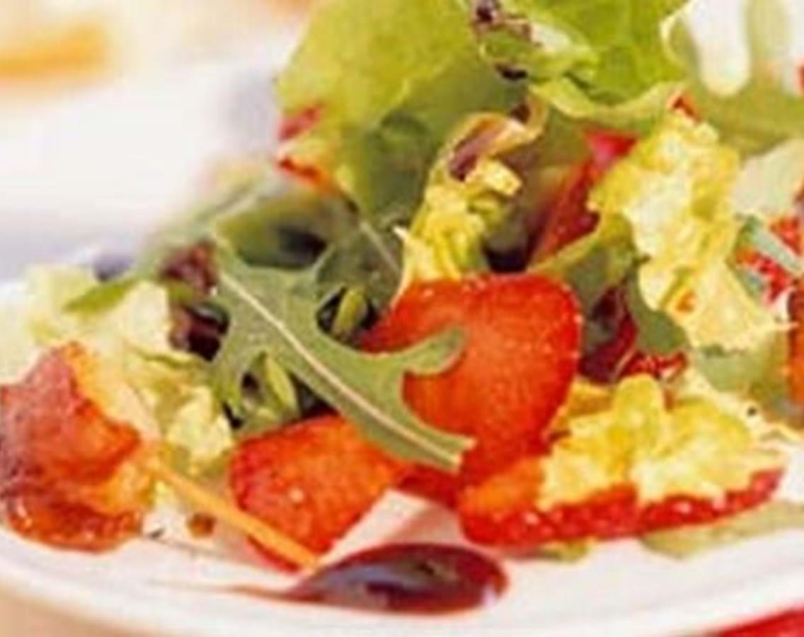 Jordbær og rucolasalat med kammuslinger