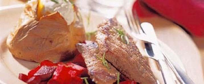 Kalveschnitzel med rodfrugter i folie