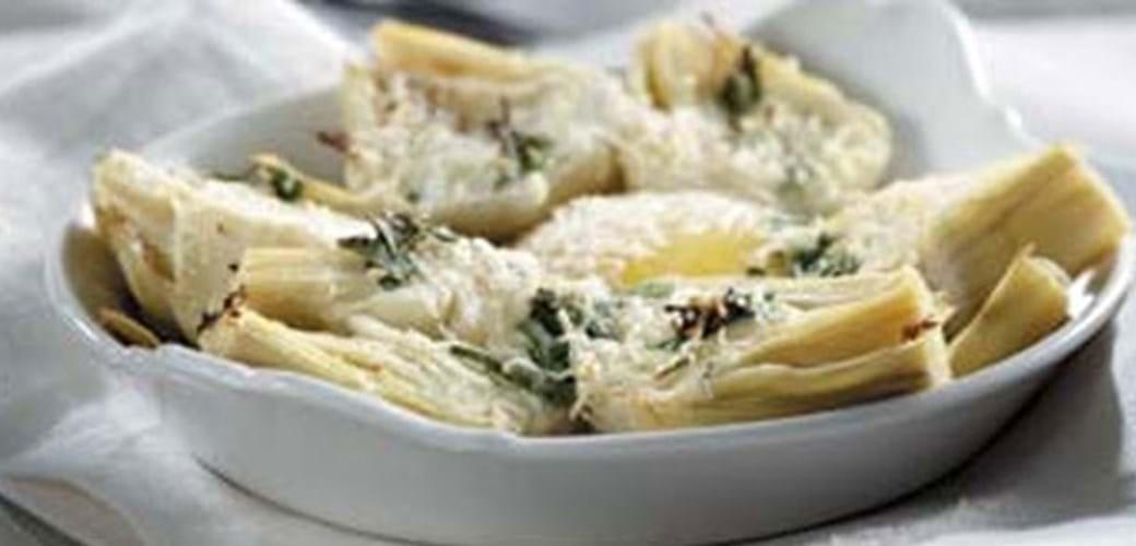 Bagte æg med artiskok og parmesan