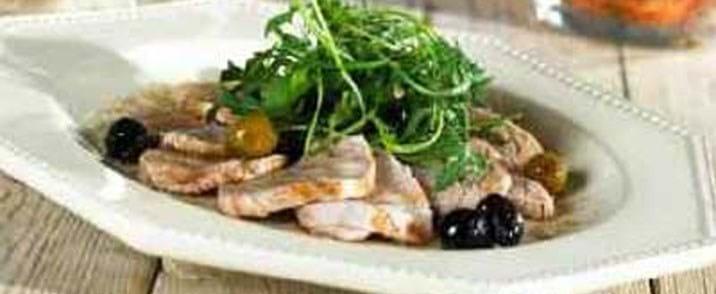 Kold svinemørbrad med oliven