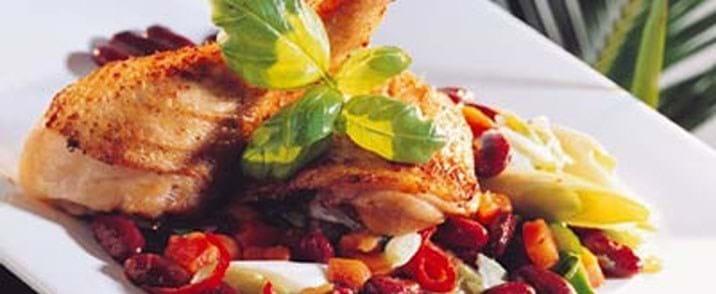 Barbecue kylling med bønnesalat