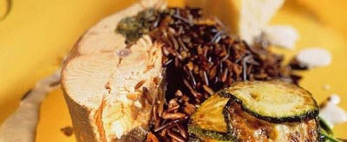 Laks med fennikelpuré, courgetter og timiankrydrede vilde ris