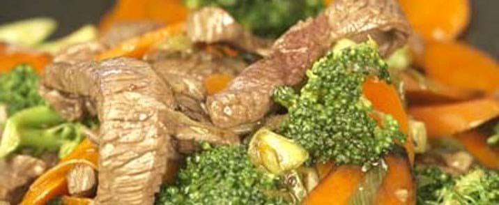 Oksekød med broccoli
