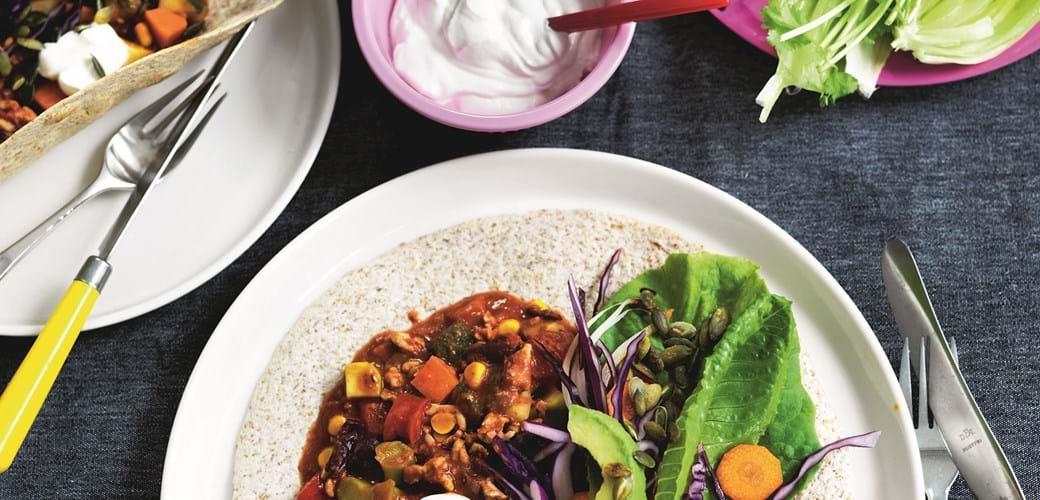 Tortillafest med kødsovs  og sprøde grøntsager