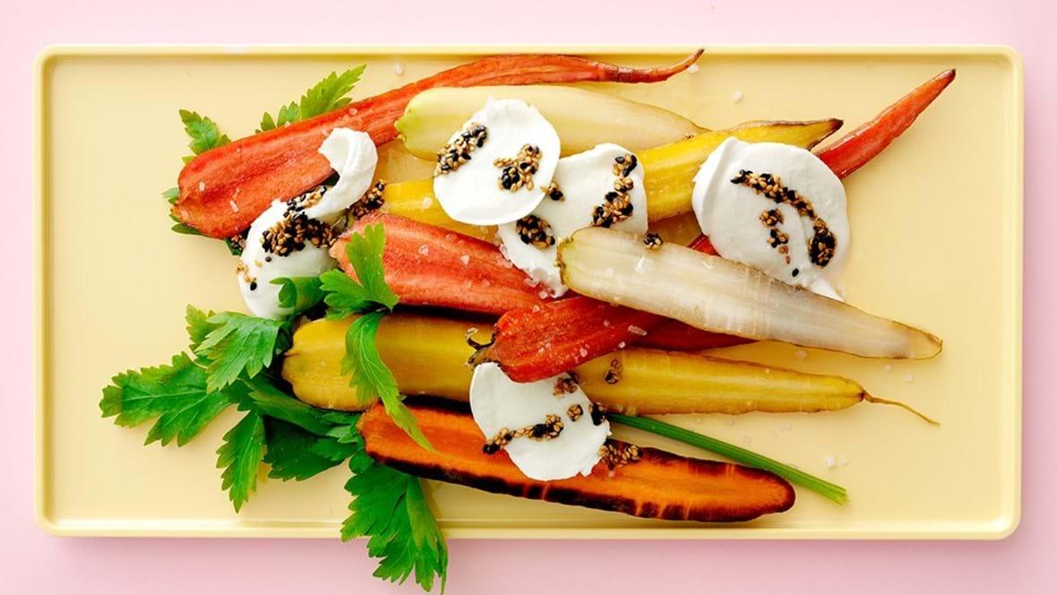Gulerødder med mozzarella og lun sesamdressing