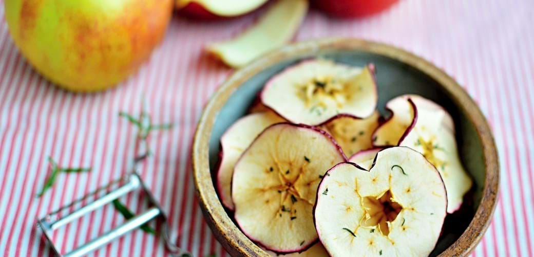 Æblechips med rosmarin