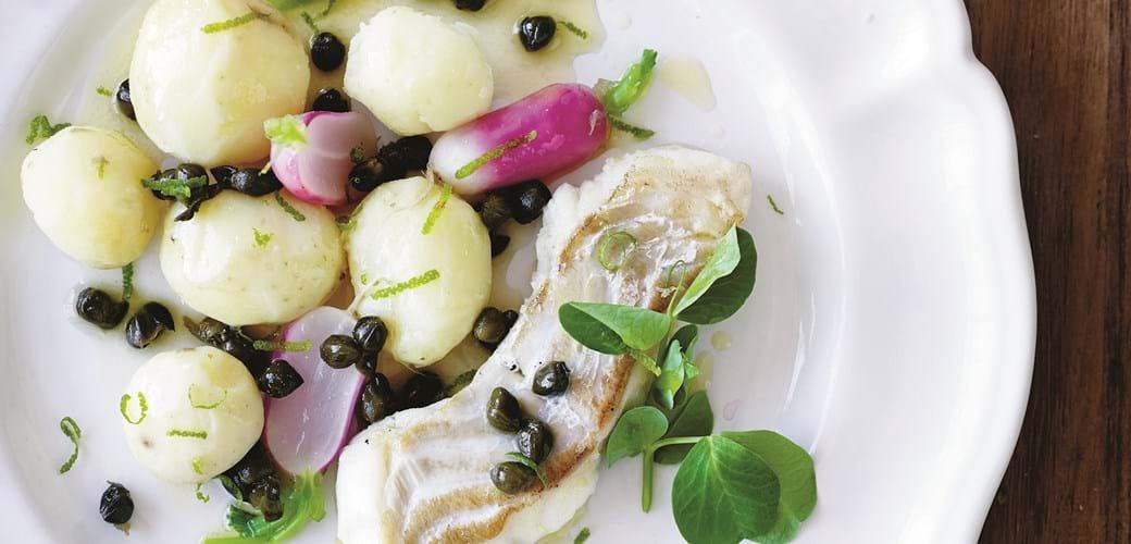 Torsk med nye kartofler og stegte kapers