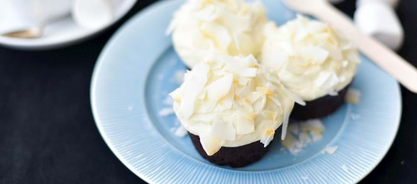 Chokoladecupcakes med kokosfrosting