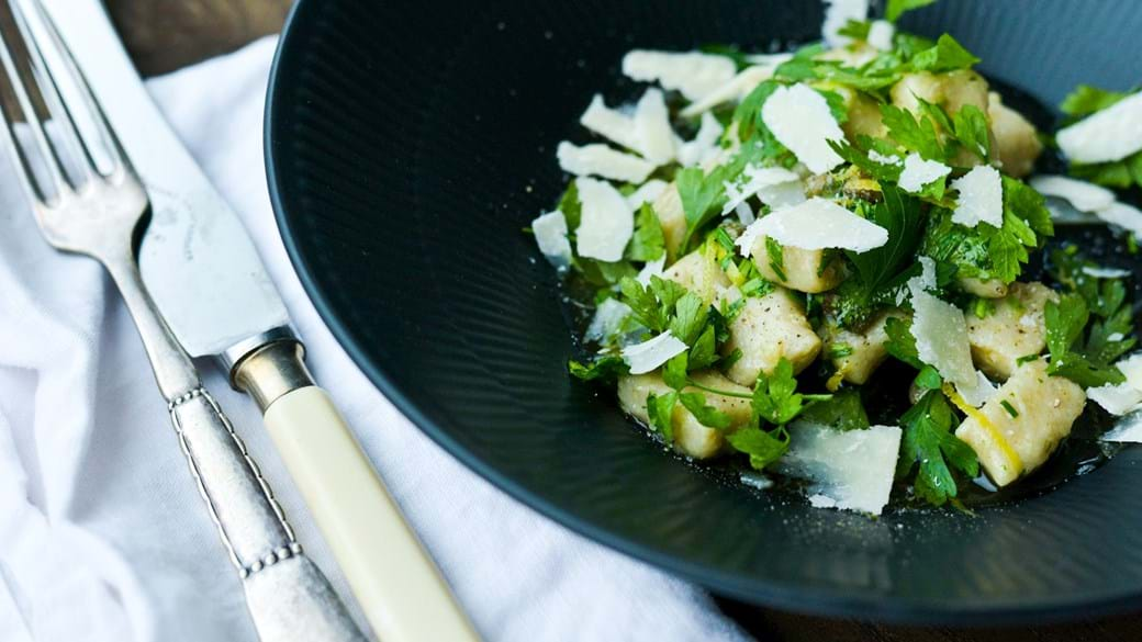 Hjemmelavede gnocchi med urtesmør