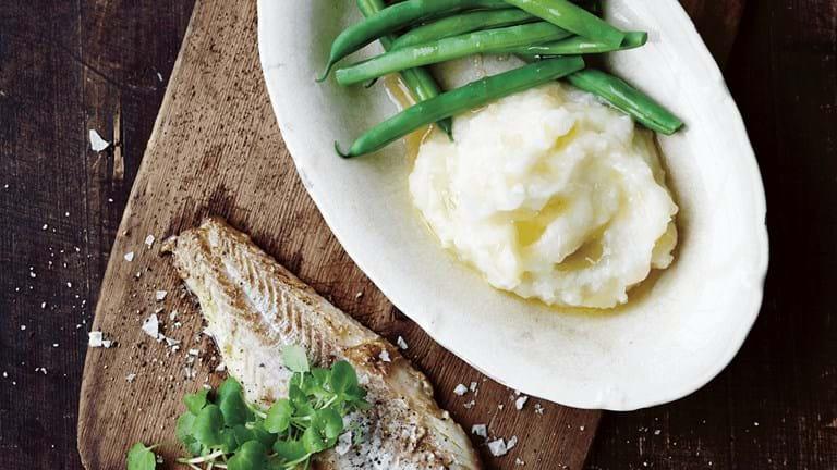 Torsk med kartoffel - blomkålsmos og brunet smør