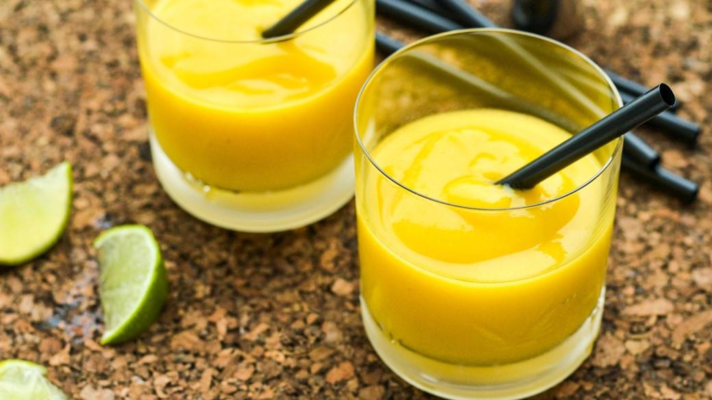 Mangoslush med ingefær og rom