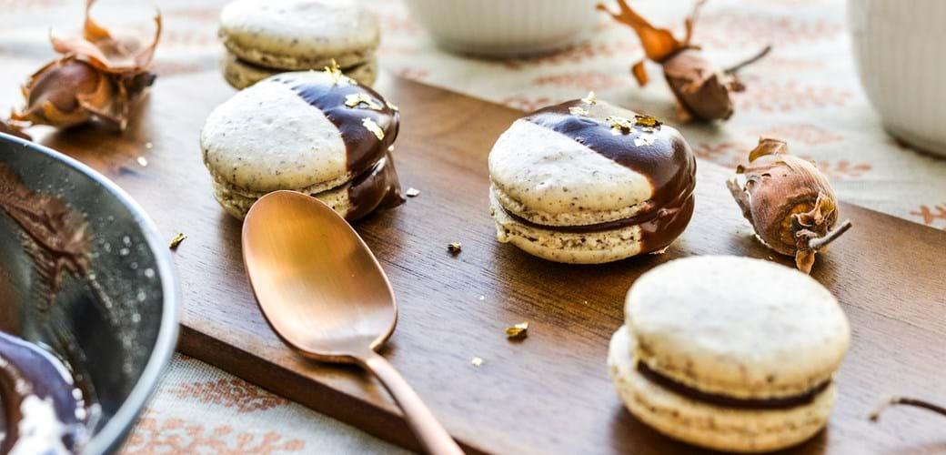 Franske makroner med hasselnød og mørk chokolade