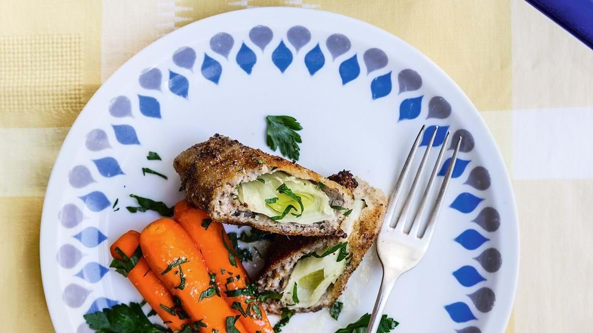 Farserede porrer med gulerødder