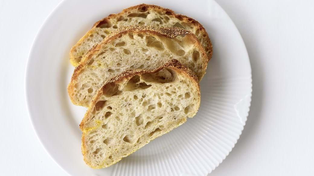 Skønt brød med skorpe, der smager