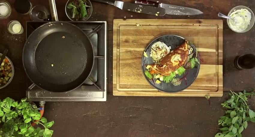 Stegt æggekage med mozzarella