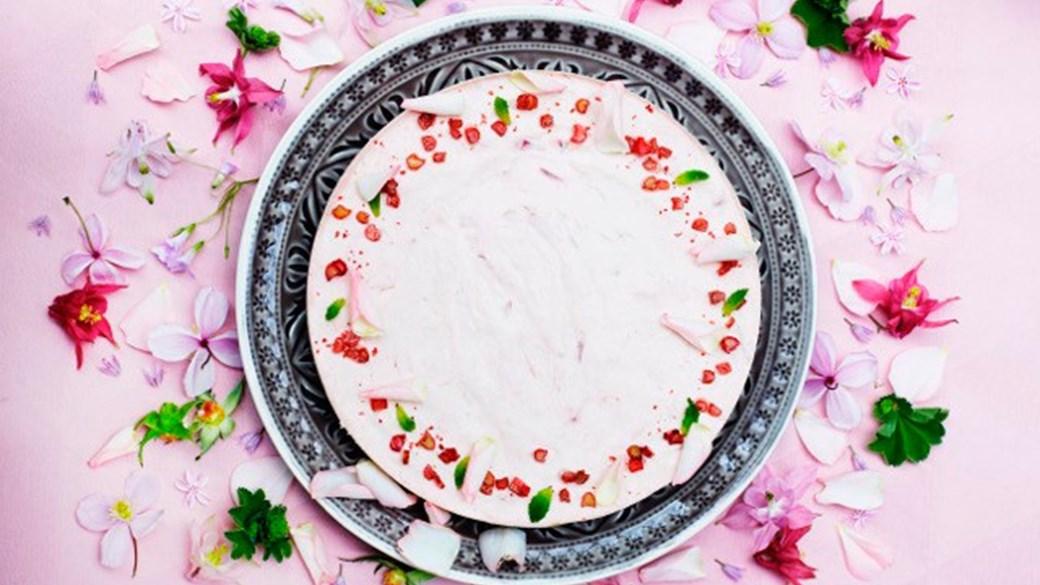 Chokoladekage med rabarbermousse