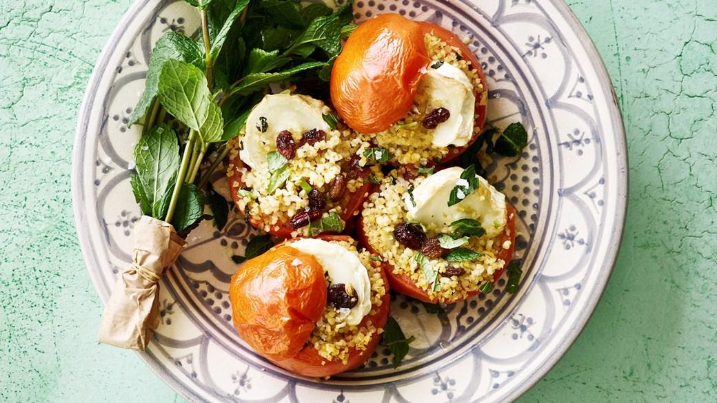 Fyldte tomater med bulgur og gedeost