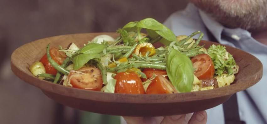 Gnocci med grønne bønner og friske tomater