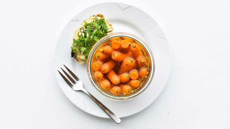 Syltede små gulerødder