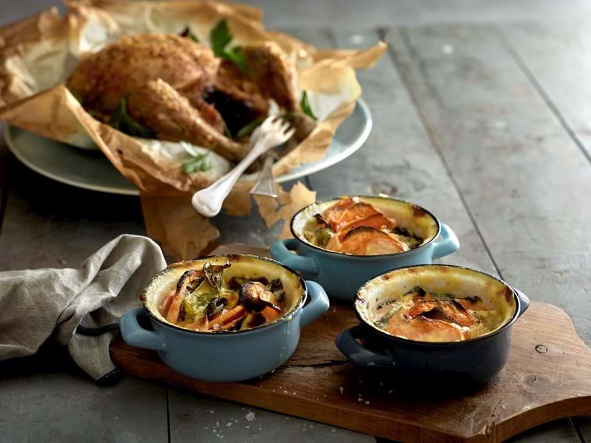 Gratin med sølvbede og søde kartofler og ovnstegt kylling