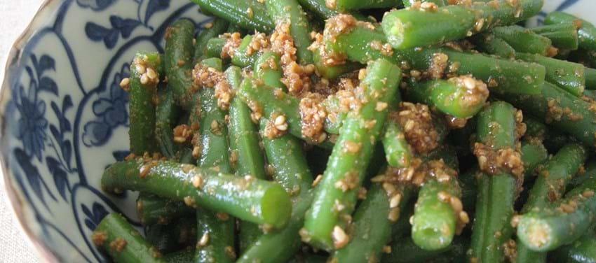 Grønne bønner med soja og hjemmelavet sesampasta