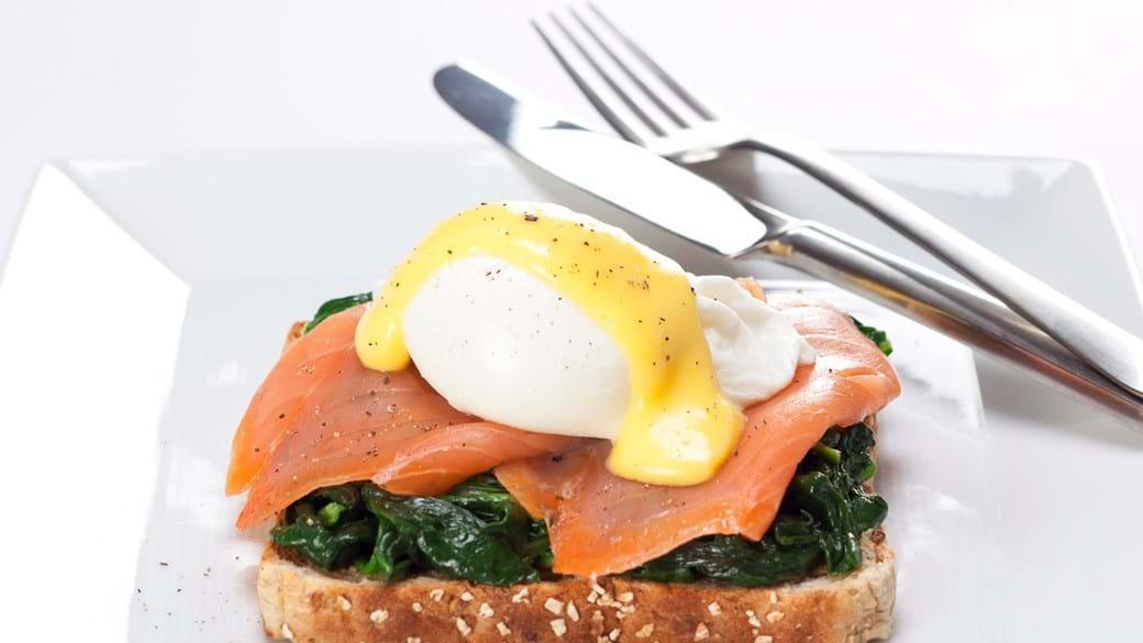 Æg Benedict med laks