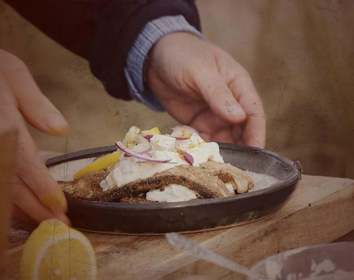 Smørstegt rødspætte i brødkrumme