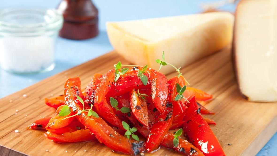 Sur-søde bagte peberfrugter med timian