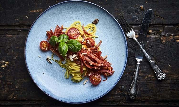 Frisk pasta med tomat og chorizo