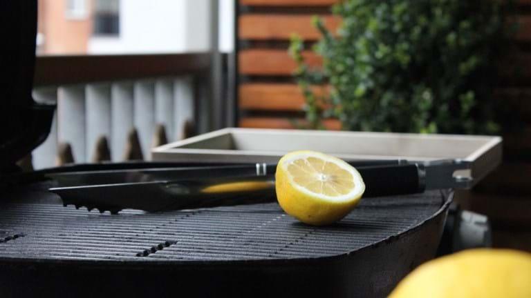 Grilltips: Rengøring af grill med citroner