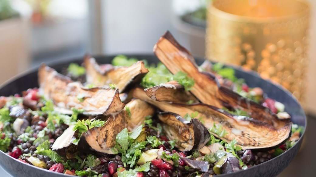 Marokkansk salat med bagt aubergine